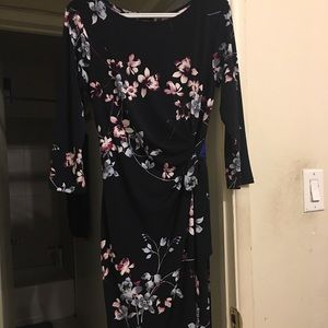 Floral Side ruched dress with sleeve
